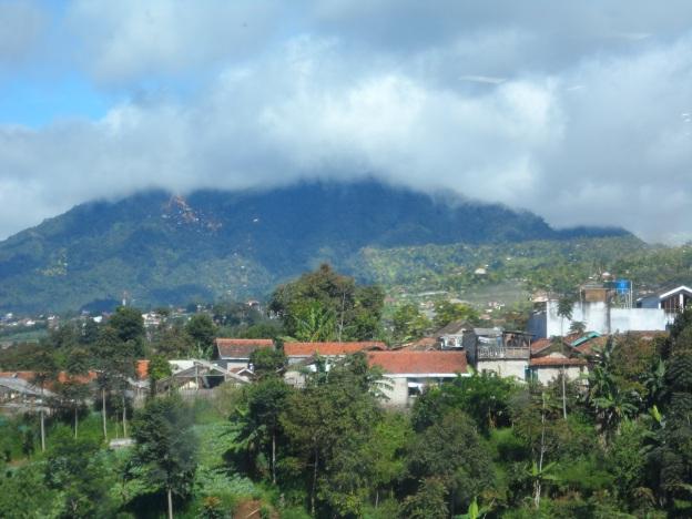 Pegunungan di sekitar Lembah Karmel II.